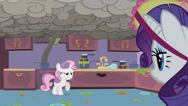 File:Sweetie Belle Smoke 1 S2E5.png