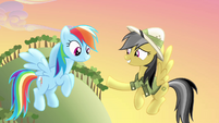 Daring Do extends hoofshake to Rainbow Dash S4E04