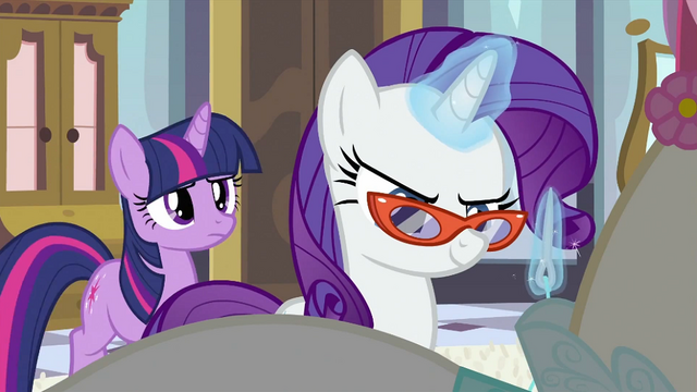File:Rarity sewing S2E25.png