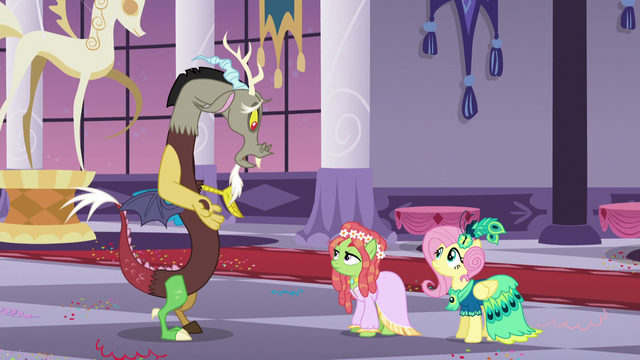 File:Discord apologizing to Tree Hugger S5E7.png