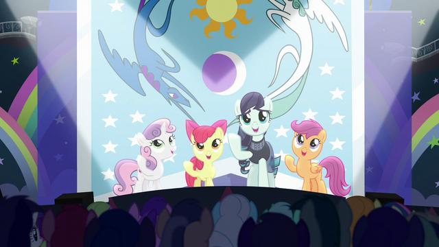 "File:Rara and CMC sing ""our flag does wave from high above"" S5E24.png"