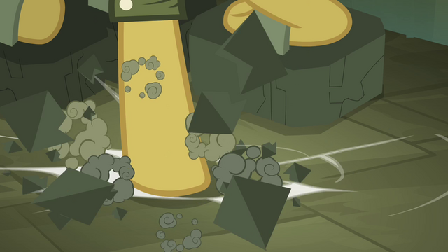 File:Daring Do breaking weights S4E04.png