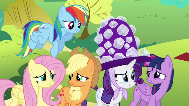 File:Pinkie Pie's friends nervous S4E18.png