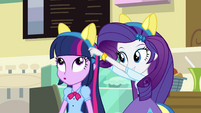 Rarity puts pony ears on Twilight EG