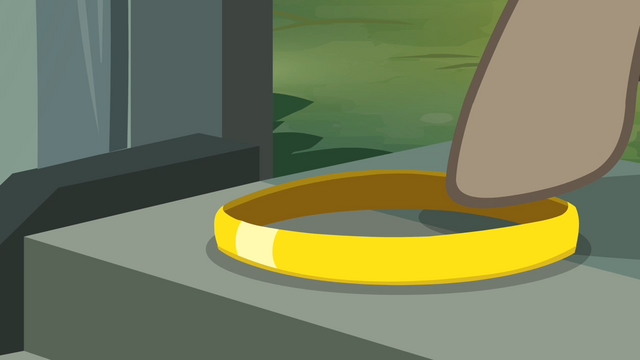 File:Dr. Caballeron touches the ring S4E04.png