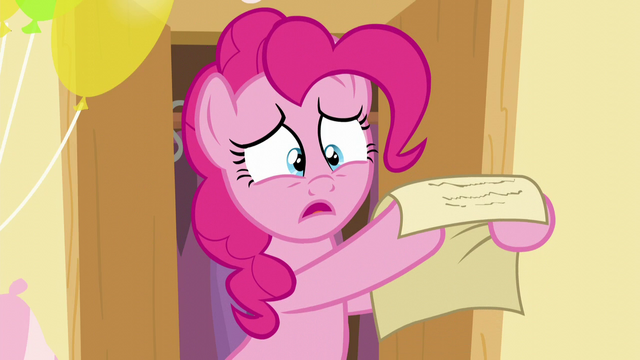 File:Pinkie holds the paper S5E19.png