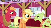 Granny Smith appears to like Applejack's idea S6E23