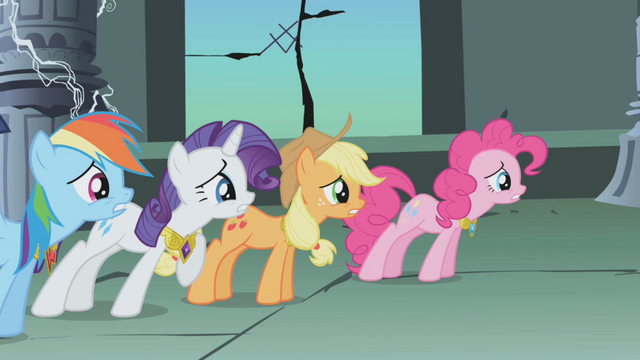 File:Pinkie Pie ears missing S1E02.png