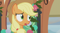 Applejack listening to Granny Smith S5E20