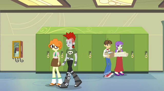 File:Students walking through CHS hallway EG2.png