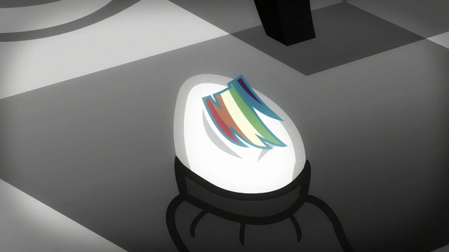 File:A piece of Rainbow's mane S5E15.png