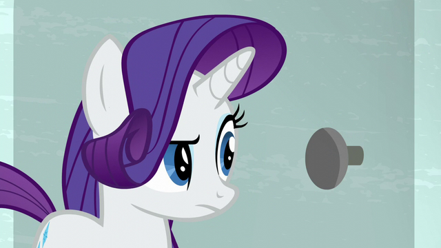 File:Rarity in front of the blocked door S6E9.png