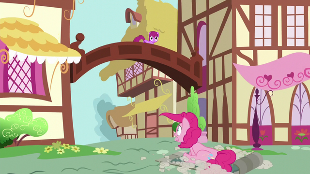 File:Pinkie returns to Ponyville S5E11.png