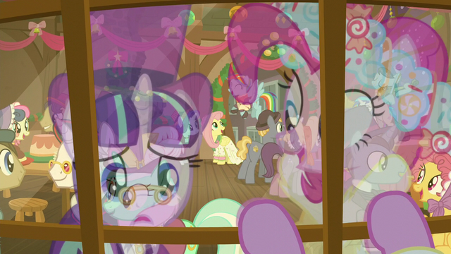 File:Snowfall Frost looking in Snowdash's window S6E8.png