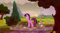 Twilight and Spike in the new future S5E26
