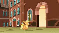 Filly Applejack sees entrance S1E23
