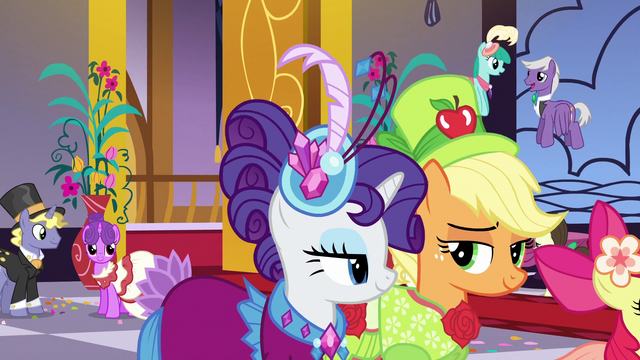 File:AJ and Rarity enter the Gala S5E7.png
