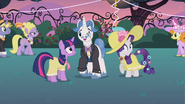 Rarity they're gathering S2E9