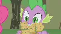 Spike brings back the bad cupcakes S1E04