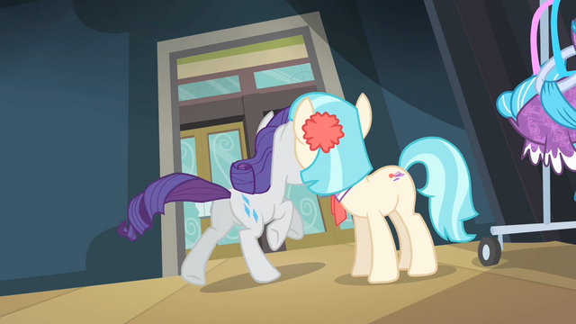 File:Coco sees Rarity running away in tears S4E08.png