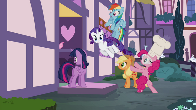 File:Pinkie Pie throwing her friends into the Sugarcube Corner S4E18.png