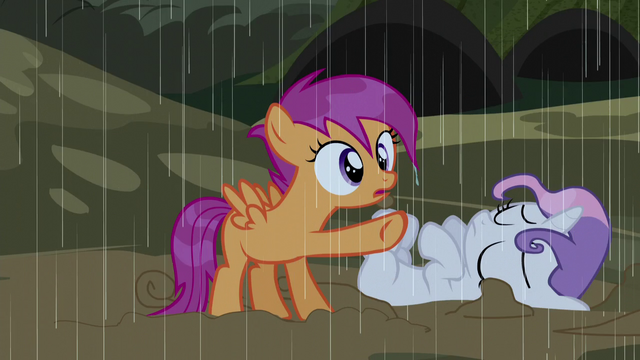 File:Scootaloo pointing at a cabin S5E6.png