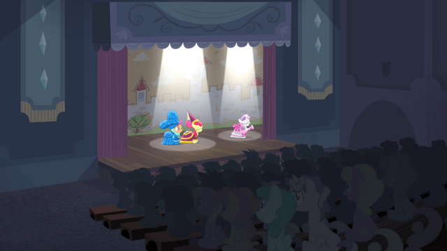 File:Sweetie Belle acting S4E19.png