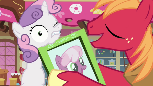 File:Sweetie Belle hit with frame S2E17.png