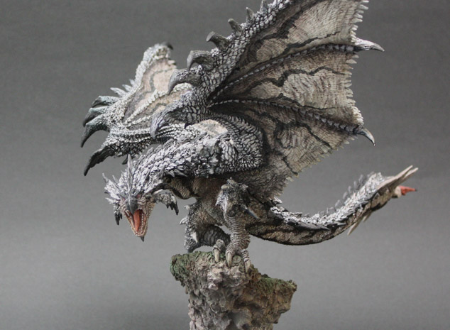 File:Capcom Figure Builder Creator's Model Silver Rathalos 002.jpg