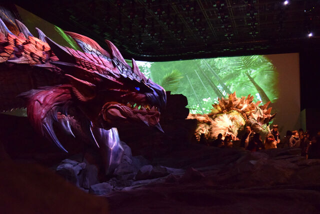 File:USJ-Thunderlord Zinogre and Dreadking Rathalos Screenshot 001.jpg