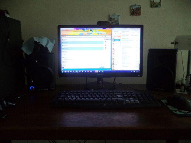 File:Art Desktop And Kut Ku 2.JPG