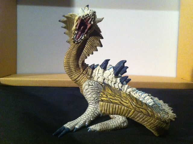 File:Lagiacrus Sub Figurine (Broken Parts).jpg