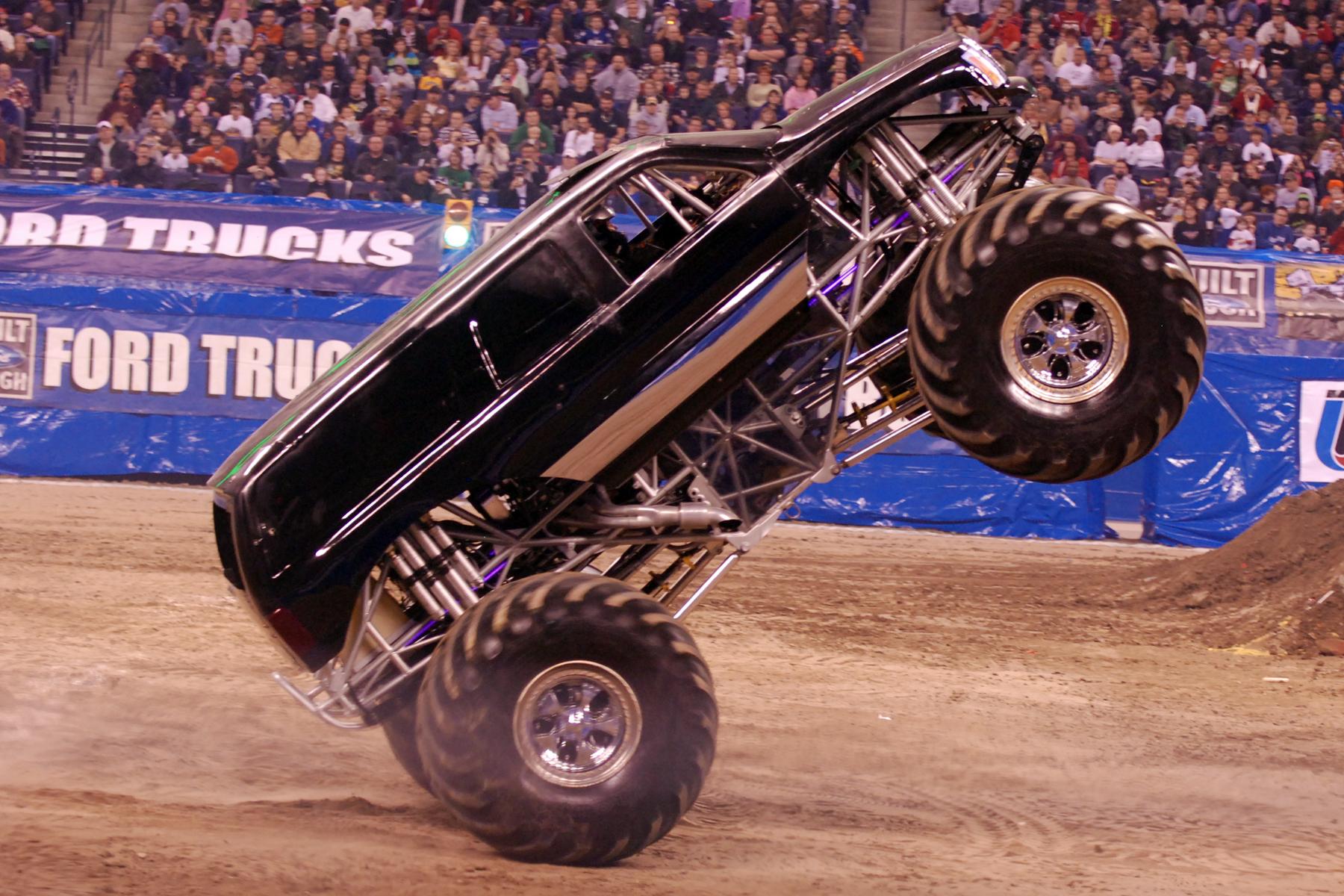 Escalade | Monster Trucks Wiki | Fandom powered by Wikia