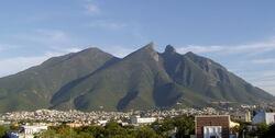 800px-Cerro de la Silla.jpg