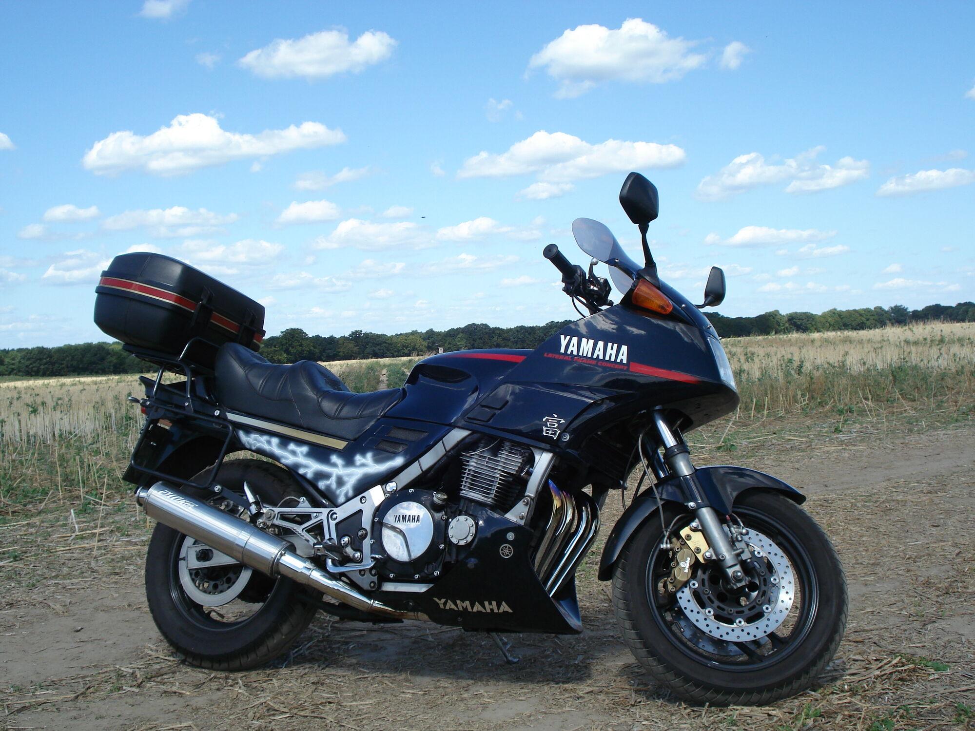 Historia Yamaha FJ FJR Timeline - YouTube