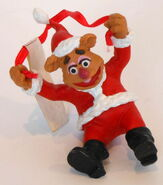 Presents hamilton gifts 1990 fozzie santa christmas ornament 1