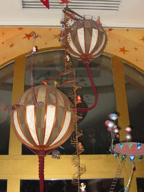 Great Hot Air Balloon Circus - Disney Store Dec 2006 - top detail