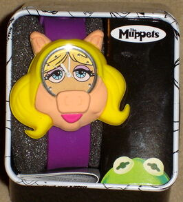 Accutime 2013 miss piggy watch