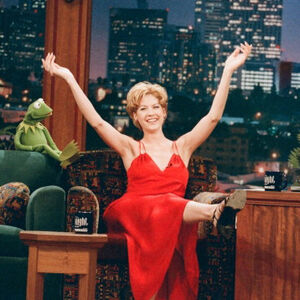 Jenna Elfman and Kermit