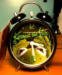 2007 bb designs europe kermit alarm clock