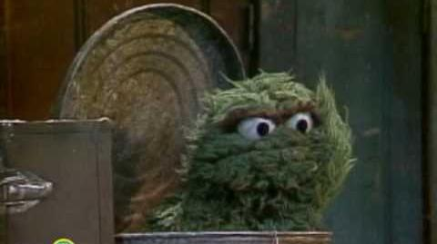 Sesame Street Oscar Hates Christmas