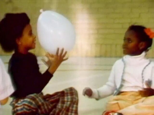 File:2538.Kidsballoon.jpg