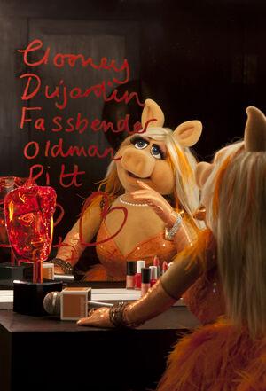 BAFTA-MissPiggy-Orange-Hosting-(2012)02