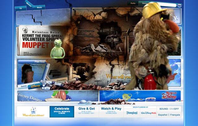 File:Disneyparksgive.com-26.jpg