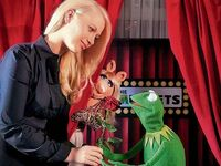 Germany-Berlin-Hotel-Ritz-Carlton-Kermit&Piggy-(2012-01)-02