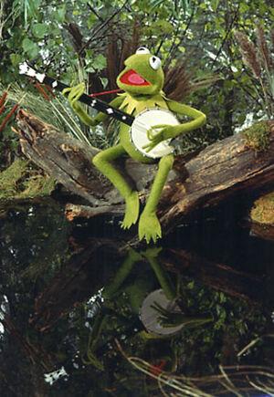 TheMuppetMovie-Kermit-SwampStill