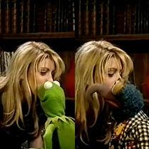 Kiss Dani Behr Kermit Gonzo
