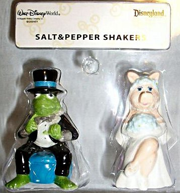 File:WDWKermPiggySaltPepper.jpg