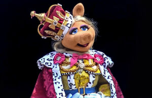 Piggy King George