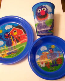 Jay franco 2011 sesame street crayon grover farm tablesetting